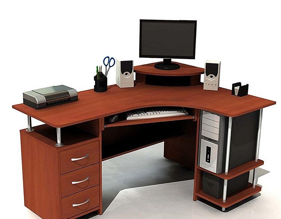računalo na radnom stolu - servis računala šibenik